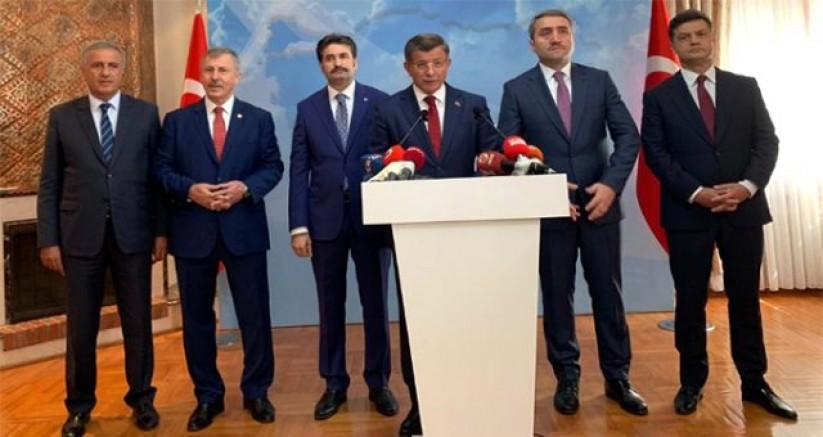 18 Ekim'de Davutoğlu'nun Toplantısına Gaziantep'ten Kimler Katılacak ?