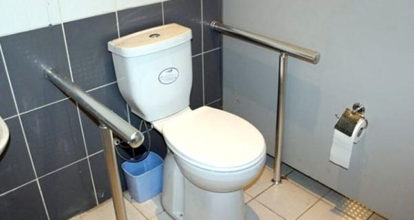 17 Yaşındaki Genç Kız, Tuvalette Doğurduğu Bebeğini Çöpe Attı