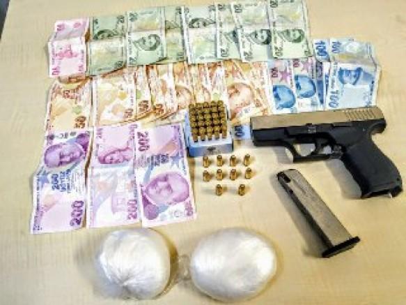 Alaybey Mahallesi''nde Uyuşturucu Satıcılarına Darbe