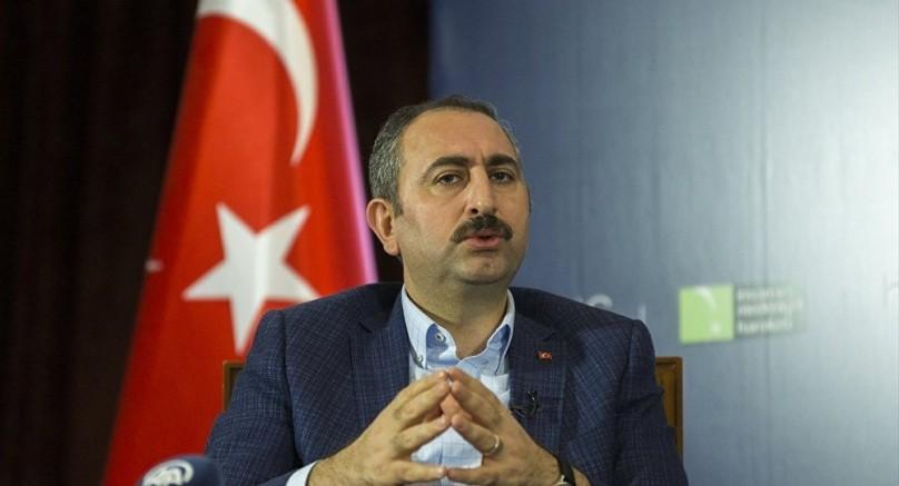 Bakan Gül'den Yerel Basına Destek