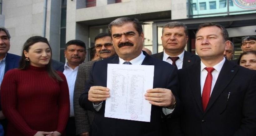 CHP İl Başkanı Hayri Sucu Mazbatasını Aldı