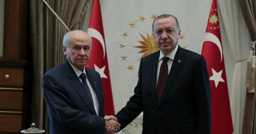 Cumhurbaşkanı Erdoğan Ve Bahçeli Erken Seçime Gidiyor