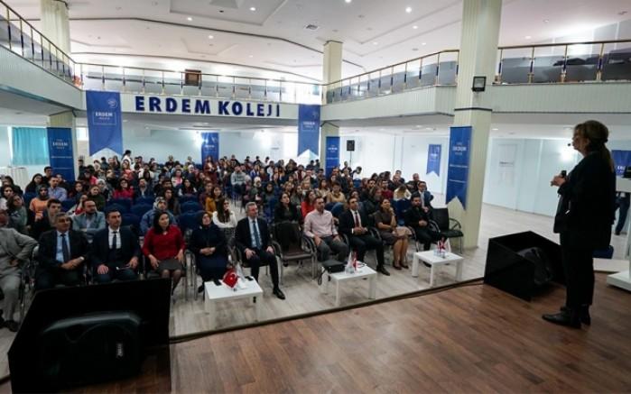 Erdem Kolejinde Öğrenme Güçlüğü Sempozyumu