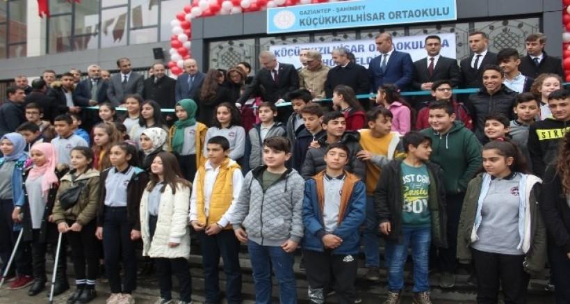 Gaziantep'te 712 bin öğrenci karne heyecanı yaşadı