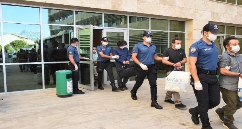 Gaziantep'te FETÖ'nün güncel il yapılanmasına 12 tutuklama