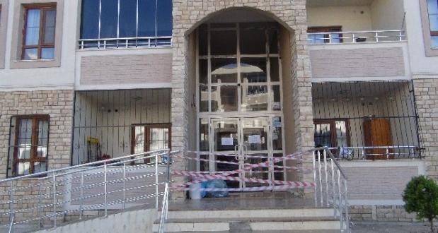 İslahiye'de 50 kişinin yaşadığı apartman karantinaya alındı