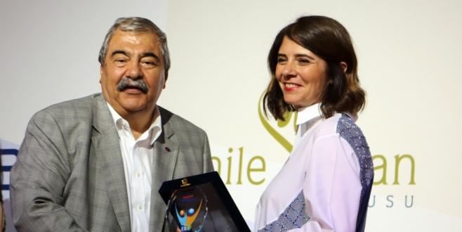 Konukoğlu Ailesi'ne Ekonomi Gazetecileri Derneği'nden Ödül
