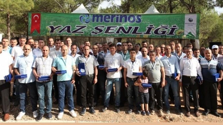 Merinos Halı'da 15 yılını tamamlayan personeller ödüllendirildi