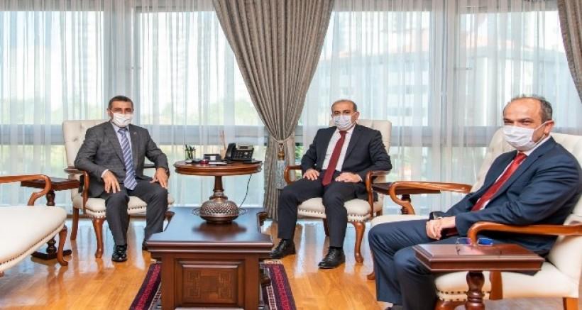 MHP Milletvekili Taşdoğan, SGK Başkanı Yılmaz'ı ziyaret etti