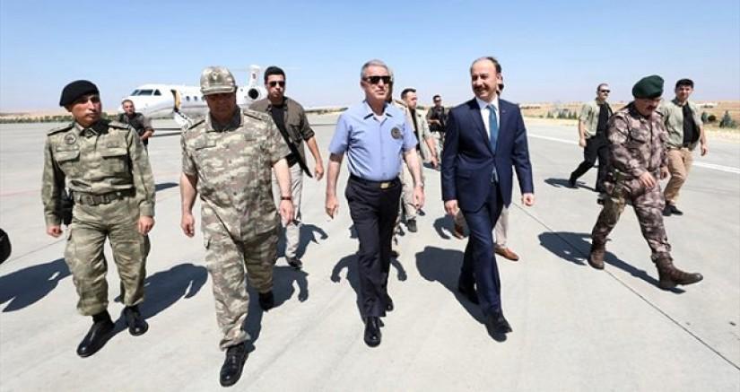 Milli Savunma Bakanı Akar, Sınır'da ABD Heyetiyle Neler Yaptı ?