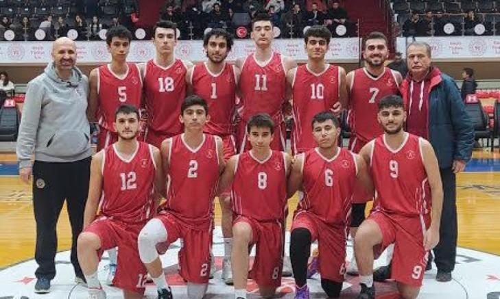 Sedat Akdoğan Pancarlı Anadolu Lisesi Şampiyonluğu Bırakmadı