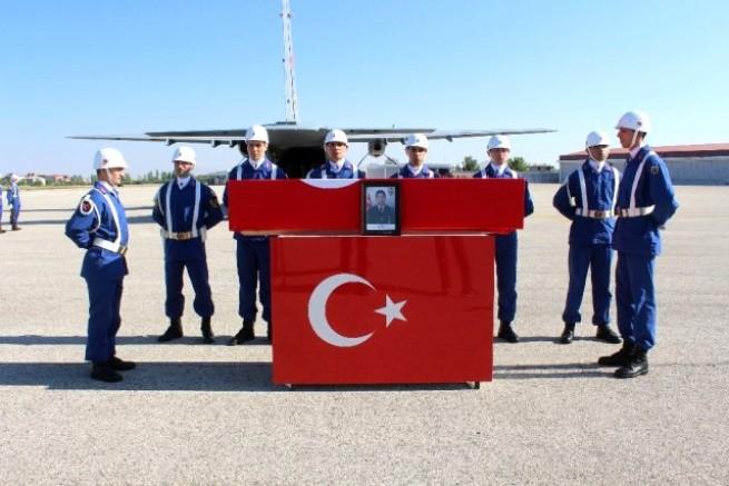Şehit Uzman Onbaşı Demircan'ın cenazesi törenle Gaziantep'e uğurlandı
