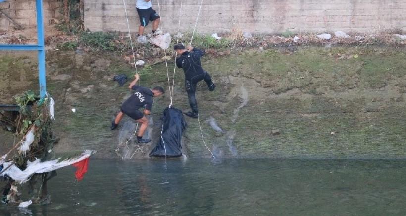 Serinlemek için sulama kanalına giren çocuk boğuldu