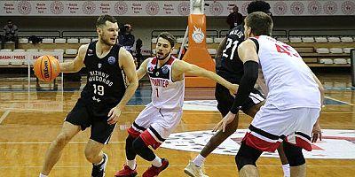 Gaziantep Basketbol, son saniye üçlüğü ile Nizhny'i geçti! 79-76