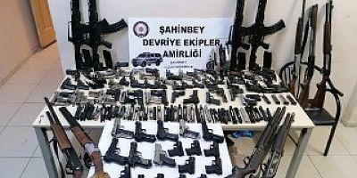 İstiklal Mahallesi'nde Silah Operasyonu
