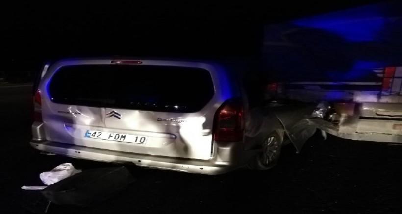 TIR İle Ticari Araç Çarpıştı, Feci Kazada 1 Kişi Öldü, 4 Kişi Yaralandı