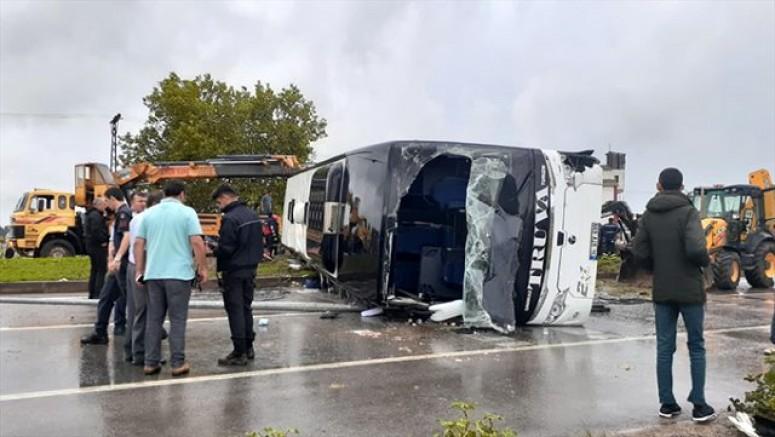 Yolcu Otobüsü Takla Attı, Ölü ve Çok Sayıda Yaralılar Var